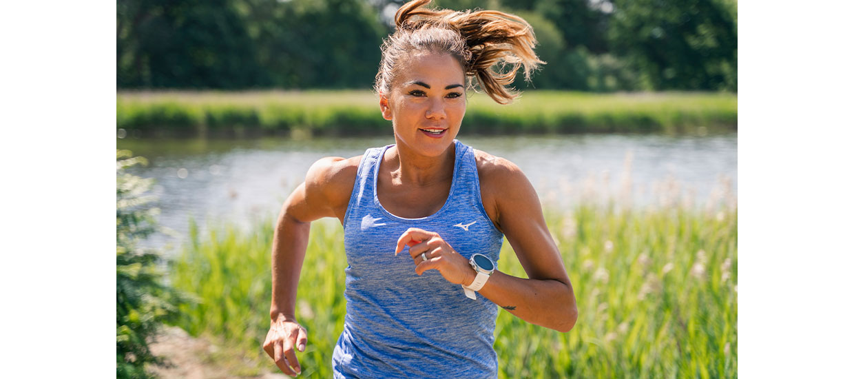 Susie Chan signs with running brand Mizuno