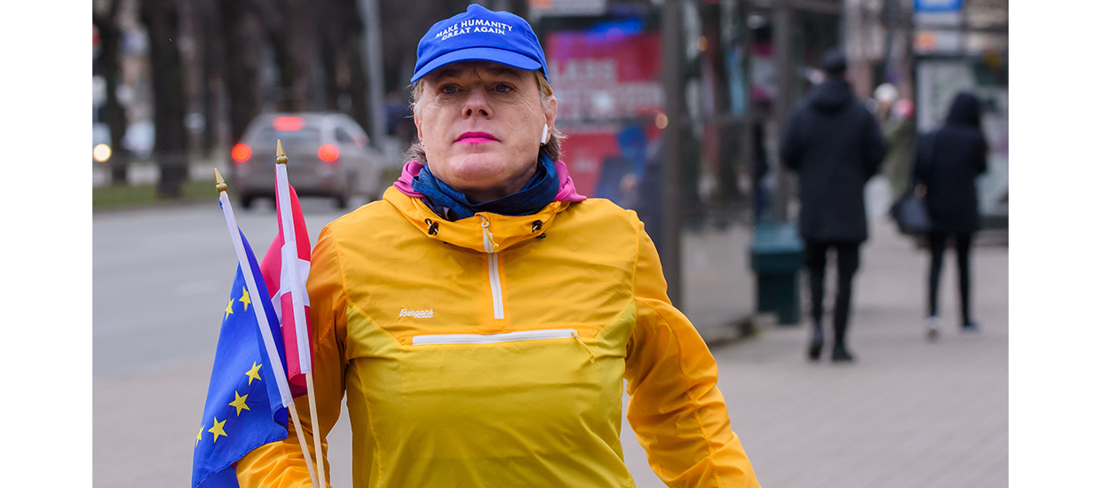 Join Eddie Izzard as she runs 31 marathons in 31 days